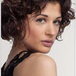Caratteristiche dei capelli ricci mossi